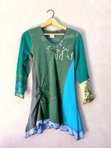 Dancing Peppers ORIG TUNIC Long Slv - XS
