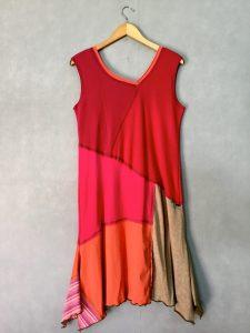 Rosey Tones SLEEVELESS DRESS - M