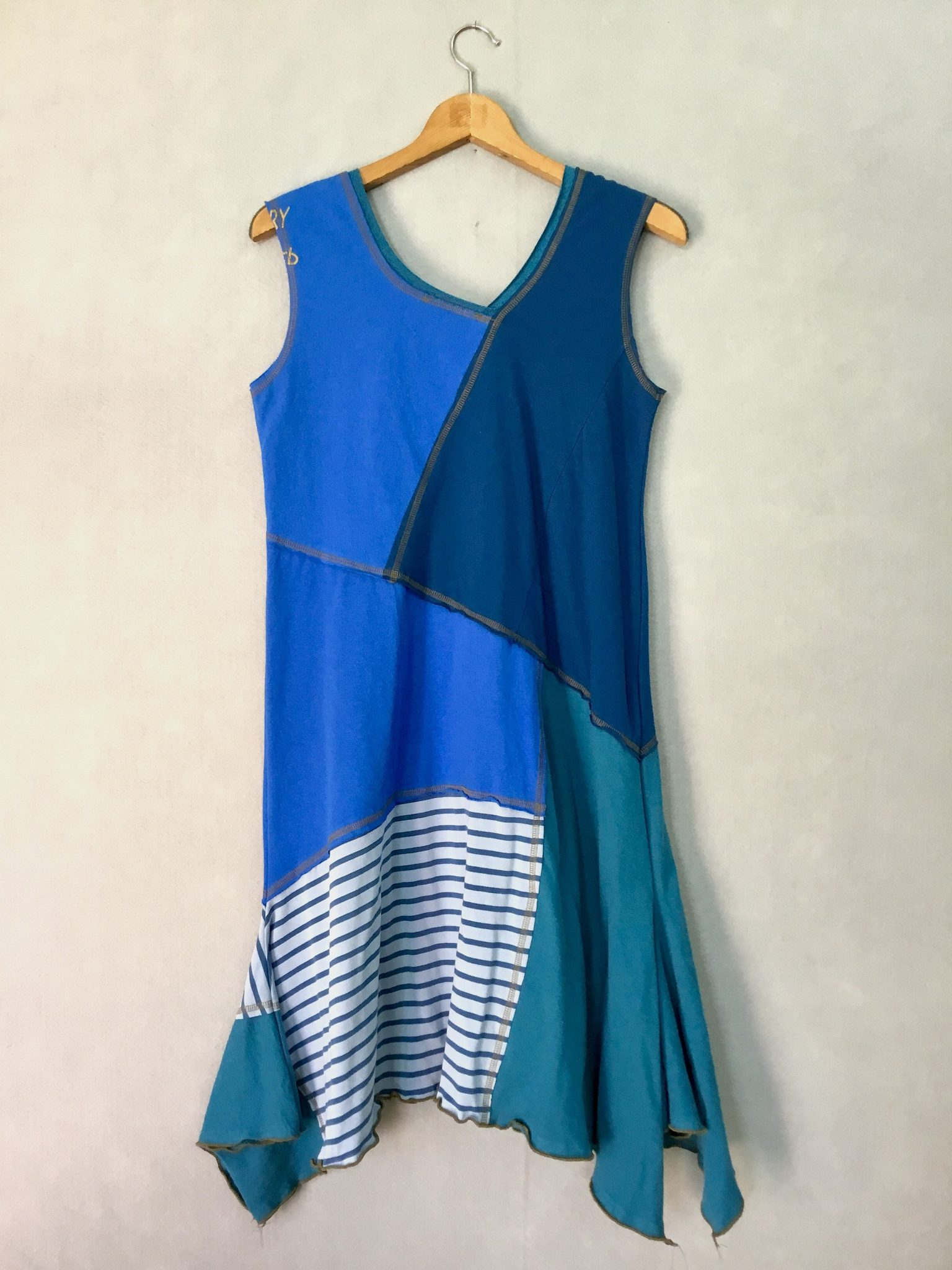 Ocean Tones SLEEVELESS DRESS - M
