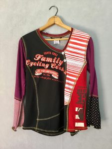Family Cycling BUTTON VNECK - M