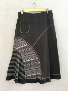 BLACK AND WHITE STRIPE 8 Piece Skirt - S