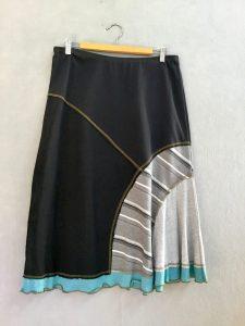 BLACK AND GRAY STRIPE 8 Piece Skirt - M