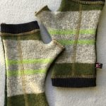 MENS WOOLY GLOVES - Green Stripe