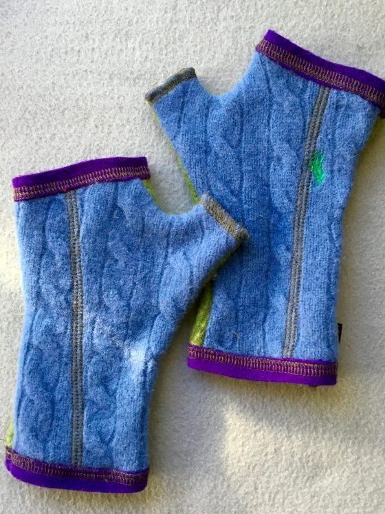 WOOLY GLOVES - Blue and Green